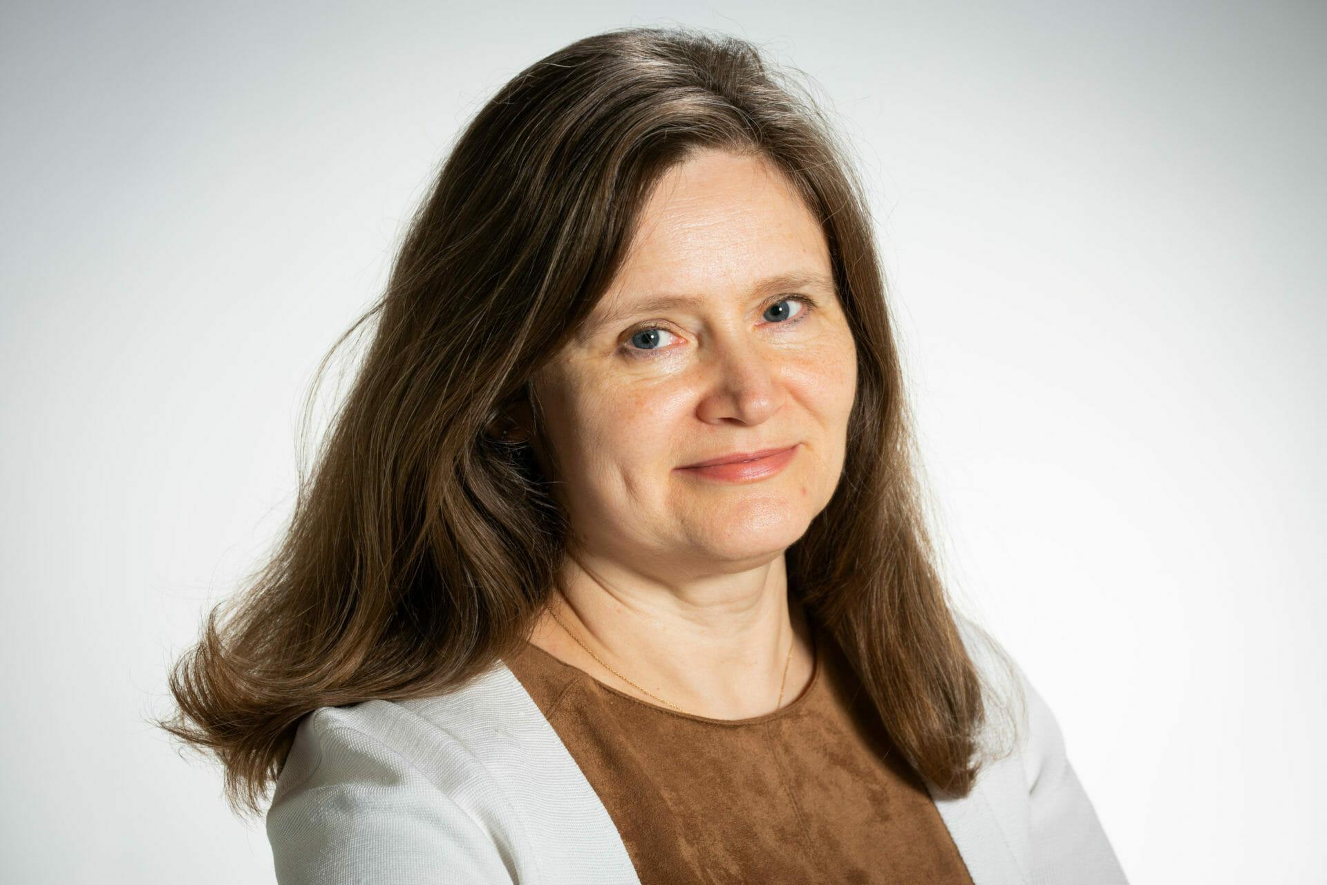 Dr-Anne-Davies